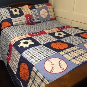 Other - Sports full size quilt and shams